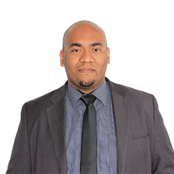 Dr. Rodrigo Reginaldo