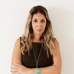 Dra. Alessandra Dias