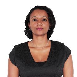 Dra. Valeria Faria